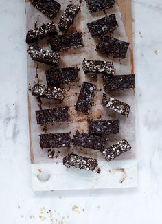 Chokolade-Tahin Knasbarer