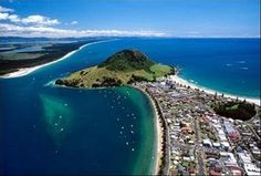 mount Maunganui - amazing views, ocean beach and sleeping volcano Mount Maunganui, Ocean Beach, Morocco, New Zealand, Places Ive Been, How To Memorize Things, Scenery, To Go, Heaven
