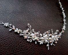 Rhinestone and Pearl Hair Vine Bridal Hair Piece por OWDJewelry, $175.00