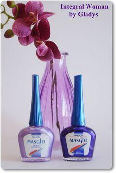 Esmaltes Creativa y Vanidosa de Masglo Measuring Spoons, Manicure And Pedicure, Perfume Bottles, Cosmetics, Woman Inspiration, Nails, Enamel, Drink, Food