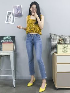 Korean Fashion Trends you can Steal – Designer Fashion Tips Kpop Fashion Outfits, Ulzzang Fashion, Tween Fashion, Fashion 101, Korean Outfits, Denim Fashion, Cute Fashion, Chic Outfits, Boho Fashion