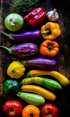 Fruit And Veg, Fruits And Veggies, Colorful Vegetables, Fruits And Vegetables Pictures, Organic Vegetables, Vegetables Photography, Eat The Rainbow, Nutrition Tips, Science Nutrition