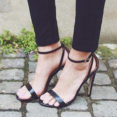 Millie Mackintosh wearing River Island barely there stiletto sandal #riverisland.