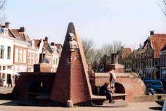 Tjerk Hiddes monument op de Grote Bredeplaats in Harlingen