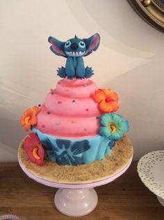 Stitch giant cupcake cake by Zoe Smith Wintersgate Bakery/ Bluebird-cakes
