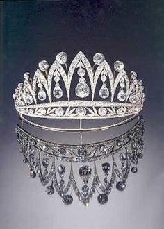 [La tiara de Fabergé María José de Italia[4].jpg]