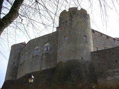 Chateau et village de Mont-Saint-Jean, XIIe, XVe siecle - Adresses, horaires, tarifs.
