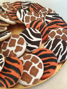 Animal print sugar cookies for Cam's birthday party! Copied designs from another pin of cupcakes Safari Theme Birthday, Zoo Birthday, Wild One Birthday Party, Baby Boy Birthday, Safari Party, Animal Birthday, Birthday Cookies, Jungle Party, Birthday Ideas