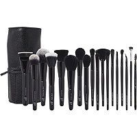 Cosmetics must-have 19 Piece Brush Collection helps create a wide range of gorgeous looks. These vegan-friendly brushes can be used with wet or dry products. Contour Brush, Eyeliner Brush, Concealer Brush, Makeup Brush Set, Elf Brushes, It Cosmetics Brushes, Bh Cosmetics, Magnetic Eyelashes, Fake Eyelashes