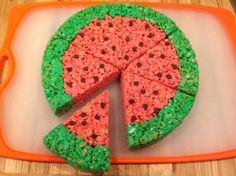 Give the ever popular rice cereal treats a summertime look. This is a guide about Rice Krispy treat watermelon slices. Rice Crispy Cake, Rice Krispy Treats Recipe, Rice Krispie Treats, Rice Krispies, Cereal Treats, No Bake Treats, Rice Cereal, Watermelon Cake, Watermelon Slices