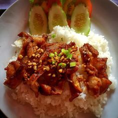 Forget toast and coffee for breakfast. BBQ pork and rice is a breakfast of champions in Cambodia. #bbq #pork #cambodia #food #streetfood  #yummy #delicious #eat #streetfood #foodadventures #tastetravel #tastetravelfoodadventuretours #sunshinecoast #australia #holiday #vacation #instafood #instagood #followme #localsknow #cookingclass #foodie #foodietour #foodietravel