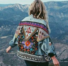 Awesome boho dresses for you to look cool and fabulous this summer - Outfit.GQ - Awesome boho dresses for you to look cool and fabulous this summer - Vintage Stil, Vintage Mode, Vintage Denim, Diy Clothes Vintage, Thrift Store Diy Clothes, Vintage Bohemian, Vintage Jacket, Mode Hippie, Hippie Boho