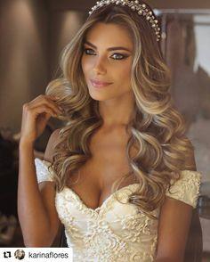 """101 Likes, 7 Comments - Christina Buarque (@chrisbuarque) on Instagram: """"Vai casar e está com dúvidas no seu penteado de noiva? Cabelo solto é tendência para penteados…"""""""