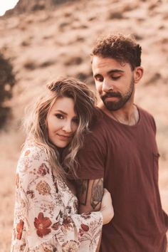 Photo Poses For Couples, Poses Photo, Couple Picture Poses, Engagement Photo Poses, Photo Couple, Engagement Photo Inspiration, Couple Shoot, Couple Photo Shoots, Couple Photoshoot Ideas