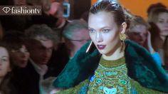 Kenzo Fall Models On An Escalator ft Karlie Kloss at Paris Fashion Week PFW Paris Fashion, Fashion Show, Kenzo, Model, Scale Model, Models, Template, Pattern