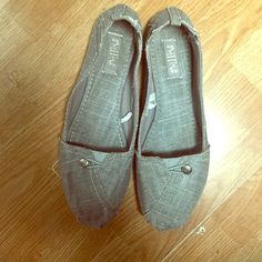 Slip ons Great condition Shoes Flats & Loafers