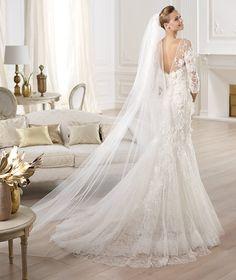 Pronovias te presenta el vestido de novia Cignus. Elie by Elie Saab 2014. | Pronovias