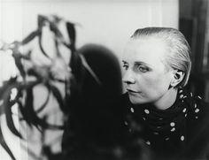 FLORENCE HENRI, PORTRAIT COMPOSITION (PETRA VAN DOESBURG), 1928 Jean Arp, Florence Henri, Experimental Photography, Portraits, Art Moderne, Petra, Marie, Art Photography, Beautiful Pictures