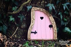 Fairy Door 'Nanda' in Pink - Pink Fairy door - Fairy door for tree - Miniature door - Fairy garden - Fairytale door - Tooth Fairy door