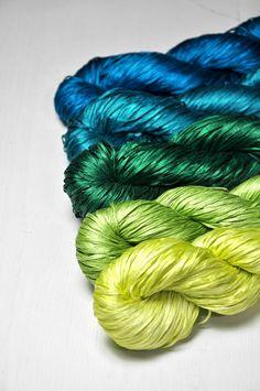 Froschkönig - Gradient of Silk Tape Lace Yarn