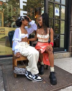 """""""obsessed with these girls"""" Black Girl Aesthetic, Aesthetic Fashion, Aesthetic Clothes, Fashion Killa, 90s Fashion, Fashion Outfits, Outfit Elegantes, Outfit Look, Mode Streetwear"""