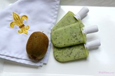 Yummy and HEALTHY all natural Kiwi Popsicles.