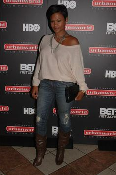 Casual and cute... Nia Long