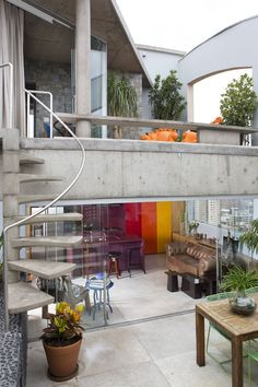 Guto Requena assina tríplex muito flexível - Casa Vogue | Interiores
