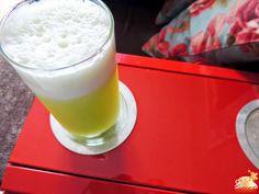 Suco de Abacaxi com Erva Cidreira