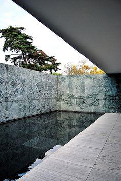 Pabellón Alemán de Barcelona by Mies van der Rohe, Architect