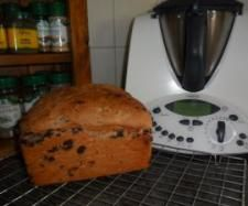 Chocolate Bread 325 g Luke Warm Water 40 g margarine tbsp cocoa 1 tsp salt 2 tsp Yeast 40 g sugar 520 g bakers flour 150 g choc chips Thermomix Bread, Bread Recipes, Cooking Recipes, 5 Recipe, Bread Rolls, Chocolate Recipes, Vegan Vegetarian, Baking, Cocoa