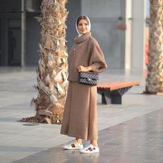 Street Hijab Fashion, Abaya Fashion, Fashion Line, Ootd Fashion, Modest Fashion, Fashion Looks, Iranian Women Fashion, Islamic Fashion, Muslim Fashion