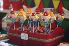 Clown Cake Pops at a Circus Party #circus #party