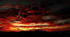 El cielo rojo de Aguascalientes  http://www.ngenespanol.com/traveler/fotogalerias/560367/atardeceres-mas-bonitos-aguascalientes/