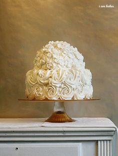 Gorgeous. @Tamara Brown would make a beautiful wedding cake.