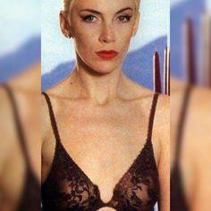 Annie Lennox, Rule Britannia, Rock Stars, Rockers, Savage, Movie Stars, Writers, Singers, Celebs