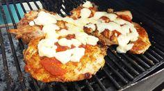 Pollo deshuesado adobado y a la pizza a la parrilla
