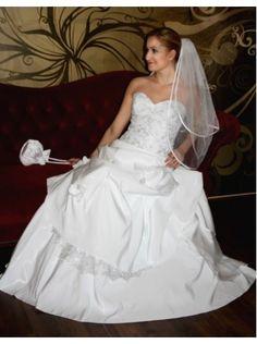 Trägerloses Brautkleid