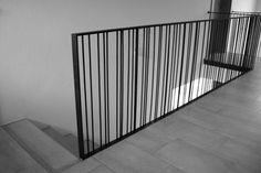 Side vertical pattern by Lüst Metallgestaltung / Kunstschmiede Staircase Handrail, Banisters, Railing Design, Staircase Design, Railing Ideas, Balustrade Balcon, Steel Railing, Stair Detail, Modern Stairs