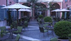 Located between two of Rome's most picturesque piazzas, Piazza di Spagna and Piazza del Popolo, Hotel de Russie is one of the Eternal City's most prestigious luxury hotels. Voyage Rome, Rome City, Hotel Restaurant, Italian Summer, Outdoor Spaces, Outdoor Decor, In Ancient Times, Cool Bars, Luxury Life