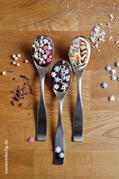 Kreative Geschenkidee: heiße Schokolade auf dem Löffel