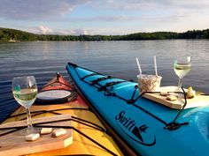 Starting the weekend with style.   (via Sharon and Collinsville Canoe & Kayak in Collinsville, CT)