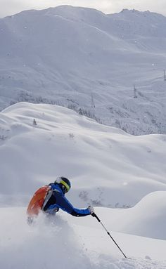 Powder heaven in Lech Zürs - find endless powder runs at the Arlberg!