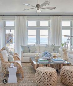 Home Design, Beach Interior Design, Coastal Interior, Design Design, Beach Living Room, My Living Room, Living Room Decor, Coastal Family Rooms, Coastal Homes