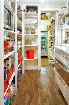 I need this pantry! Check out the back room!
