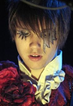 Image result for ryan ross eyeliner<< this is what I google on Friday nights