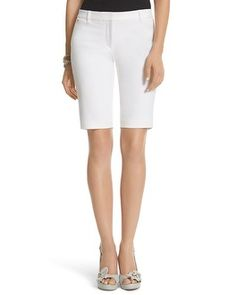 Shop Women's White House Black Market White size 6 Bermudas at a discounted price at Poshmark. Description: WHBM Bermuda shorts with a little stretch for comfort. Hits just above the knee. Blue Back Square, My Black, Fashion Boutique, Spring Fashion, Bermuda Shorts, Fashion Tips, Fashion Design, Womens Fashion, House