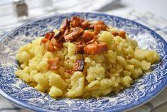 Der burgenländische Sterz ist ein traditionelles, bäuerliches Gericht aus Großmutters Zeiten - hier finden Sie das Originalrezept. Austrian Recipes, European Cuisine, Gnocchi, Street Food, Risotto, Macaroni And Cheese, Homemade, Eat, Ethnic Recipes