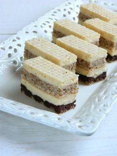 Ako ste ljubitelj kremastih, neznih i prefinjenih kolaca onda je ovaj recept za vas. Od srca vam preporucujem da ga isprobate.
