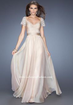 We Know you Love La Femme Dresses as Much as We Do! Find the Perfect La Femme Prom or Homecoming Dress of Your Dreams Today at Peaches Boutique Prom Dress 2014, V Neck Prom Dresses, Cheap Prom Dresses, Homecoming Dresses, Wedding Dresses, Party Dresses, Dresses 2016, Short Sleeve Prom Dresses, Fiestas Party